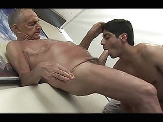Grandpa fucks young guy big cock (gay) blowjob (gay) group sex (gay)