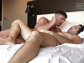 Paddy bottoms for Lucas amateur bear big cock
