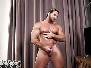 Russian Bodybuilder jerk off & cum hunk masturbation muscle