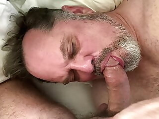 Daddy enjoys hot young cock amateur bear big cock