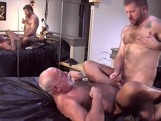 Old bear's parking place is screwed by a very fat dick 7:26 2014-07-15