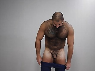 hot russian bear playing 16:06 2020-05-05