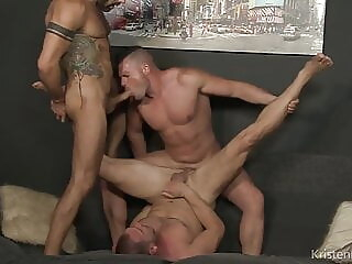 KB - Meat Men bareback big cock blowjob